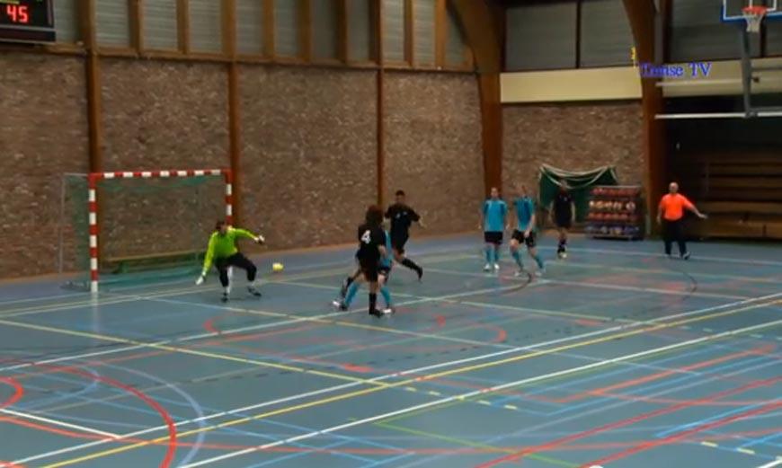 Ab 3:50: Ein unfassbares Futsal-Tor!